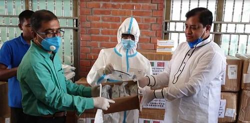 Gazipur-(3)- 27 March 2020-Corona (GCC Mayor Distribute PPE & Mask)-1