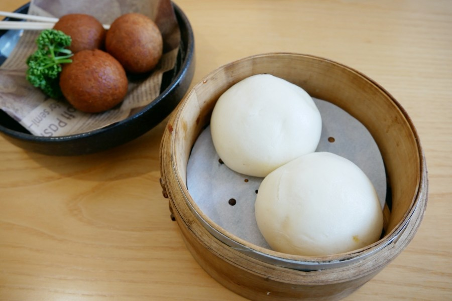[台中美食]萌木之村|看完梨泰院後吃韓式道地辣味豆腐鍋~隱藏版.挨了化骨綿掌的炸全雞 @VIVIYU小世界