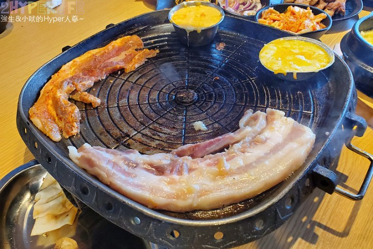 49882158546 64b9588b15 c - 有專人代烤的韓式燒肉,烤得恰恰的極厚三層肉搭配芝麻葉生菜包肉好對味~