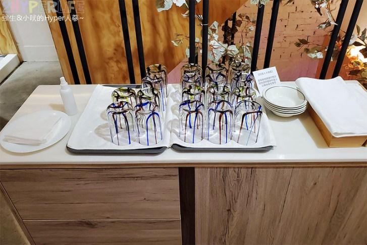 49925606748 90bb37c4fe c - 一看外觀以為是網美甜點店,沒想到賣的卻是台式平價料理~餐點種類也適合聚餐!