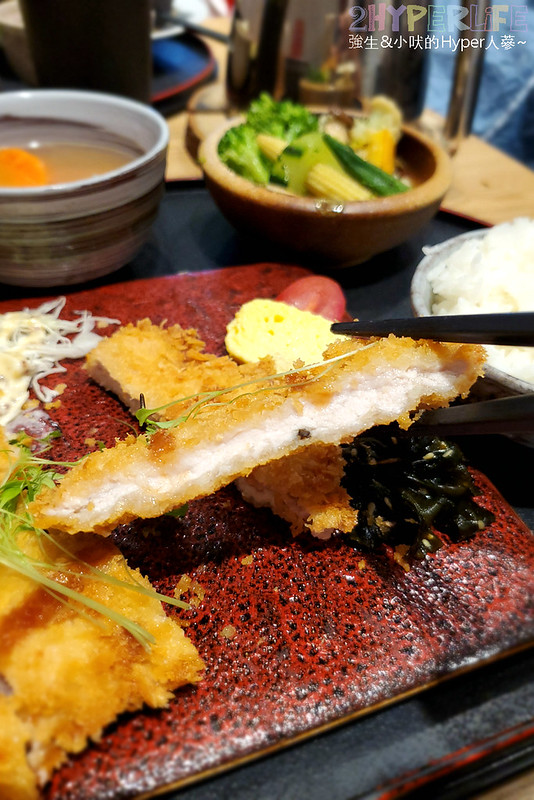 49936841966 80b2b57089 c - 爆漿牛肉漢堡排吃的出真材實料!味道用心的日式定食,平日經濟午餐價格很實惠喔!