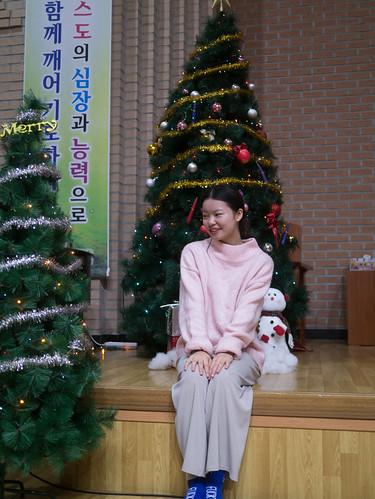 Decorating Christmas Tree_MDY_191124_16