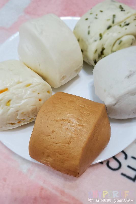 50339502113 0083895e8f c - 一點利黃昏市場旁饅頭包子專賣,必吃一顆18元的蛋黃鮮肉包!