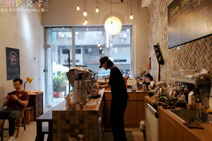 50351295216 55dc66d109 c - 僻靜巷弄裡的低調咖啡館,謐所的咖啡甜點表現都不錯,型男老闆手作逗趣陶藝品也很逗趣喔!