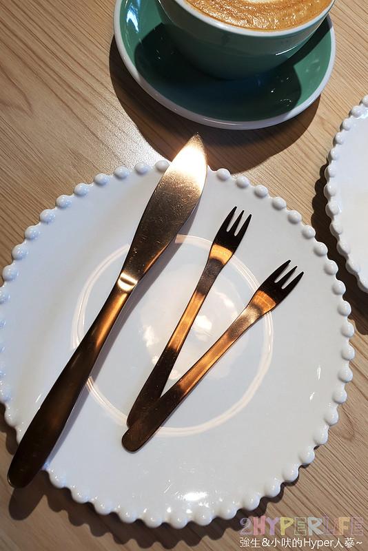 50369332073 f9918b2d6c c - 從桃園開來台中的貴婦午茶風甜點,超厚舒芙蕾鬆餅吃完整個大滿足!