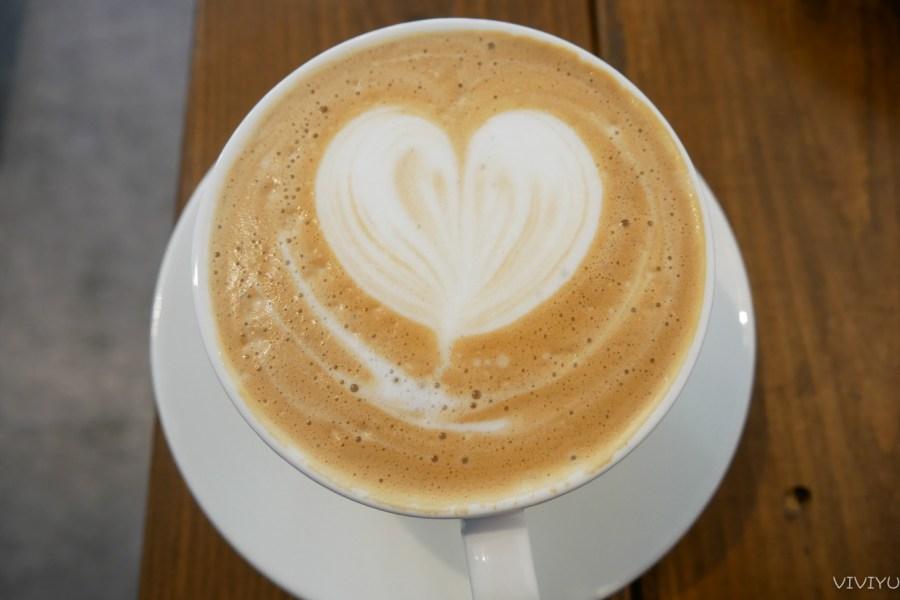 [桃園美食]他。她咖啡|藏身在巷弄之中的咖啡館~有供應早午餐、義大利麵、漢堡和排餐 @VIVIYU小世界