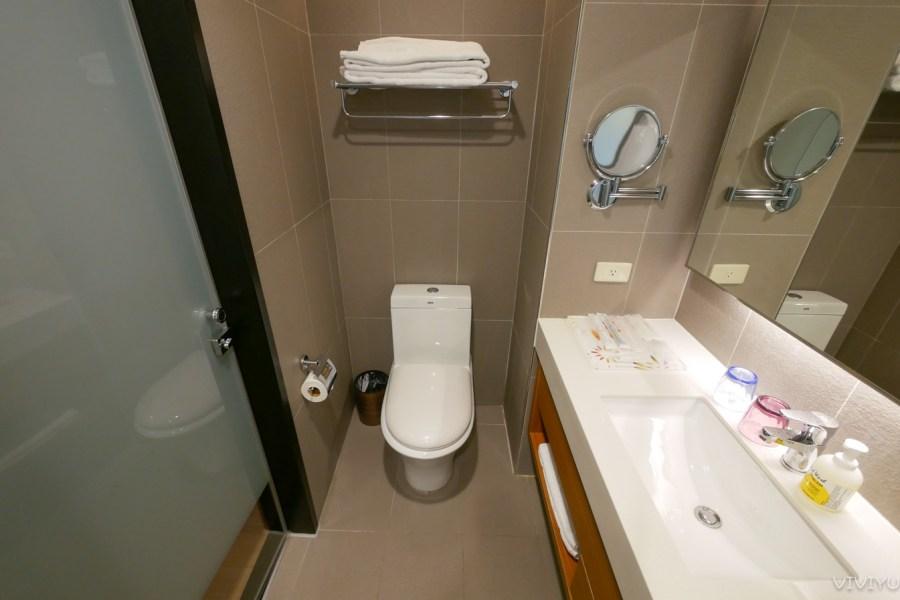 [嘉義住宿]嘉義亮點旅店 Hotel Discover 嘉義火車站對面~絕佳地理位置.平價商旅乾淨整齊 @VIVIYU小世界