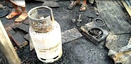 Gazipur-(1)- 11 January 2021-Fire At KLK (Four Dead Including Couple)-5