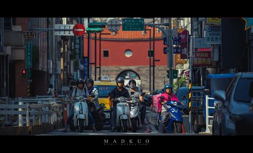 台北北門,見證了騎馬到騎機車的變遷。