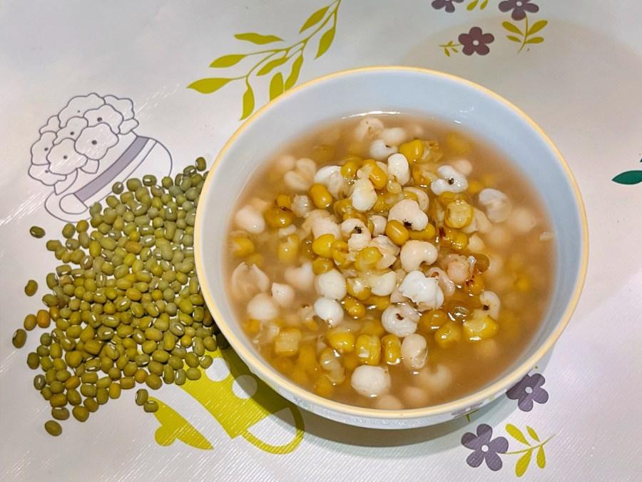 [烹飪]電鍋免開火也能煮出鬆軟好喝的~綠豆薏仁湯|食補清熱又消暑 @VIVIYU小世界