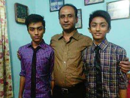 FATHER WITH 2 SON