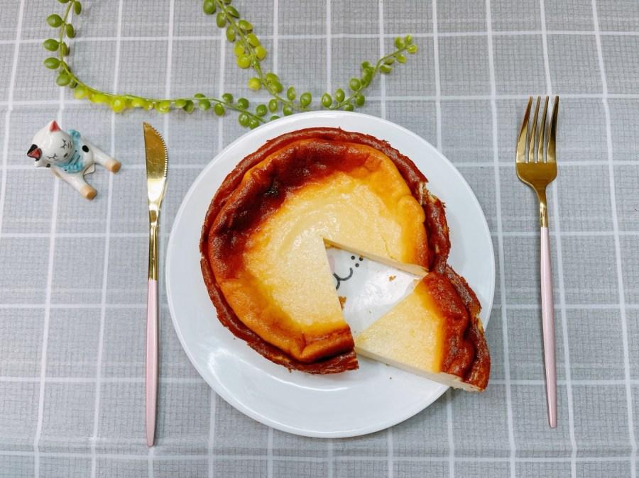 [烹飪]巴斯克乳酪蛋糕|據說是最簡單的蛋糕製作方式~輕鬆完成乳酪蛋糕 @VIVIYU小世界