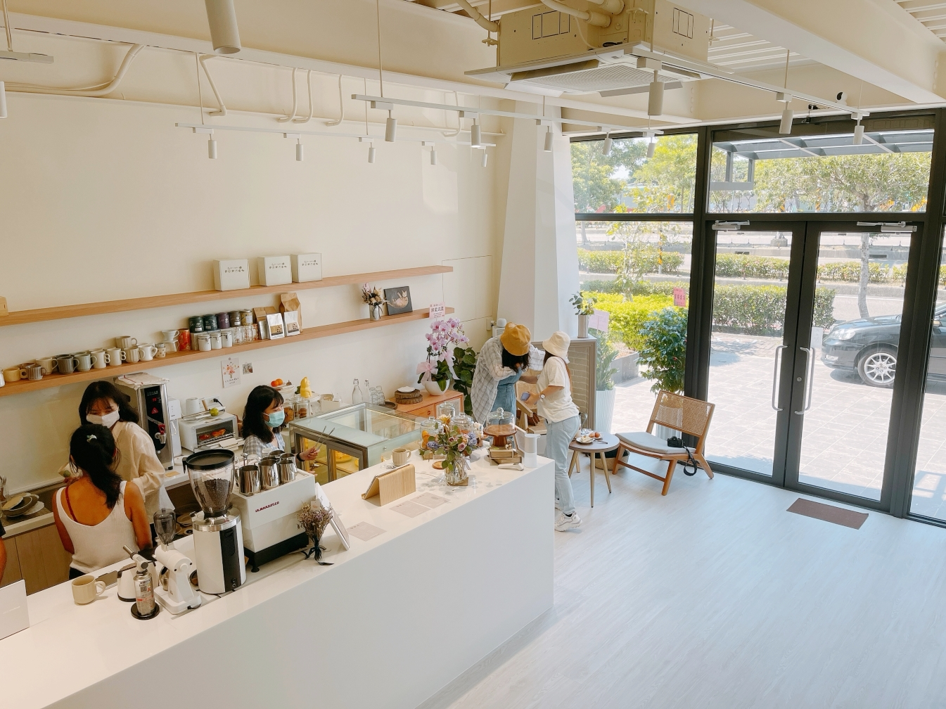[青埔美食]渺渺café.miaomiao_cafe|暖色系的純淨風格~自製甜點環境小清新風 @VIVIYU小世界