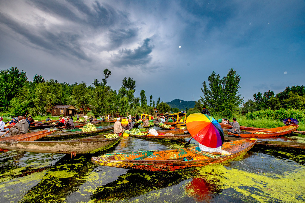 FloatingMarketDalLakeSrinagar_066-Edit