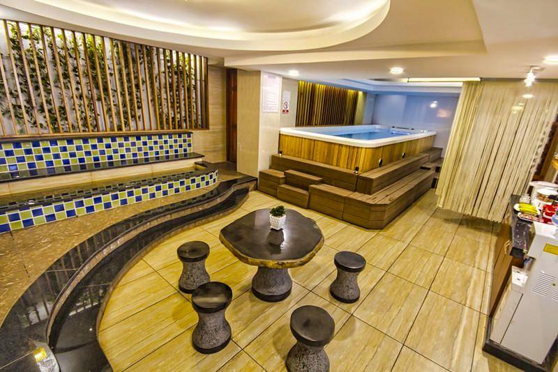 Aristo Saigon Hotel 6