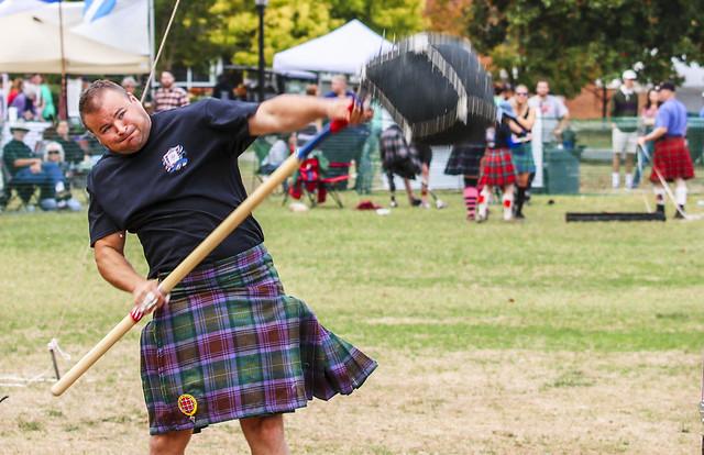 Traditional Scottish sheaf toss (1)