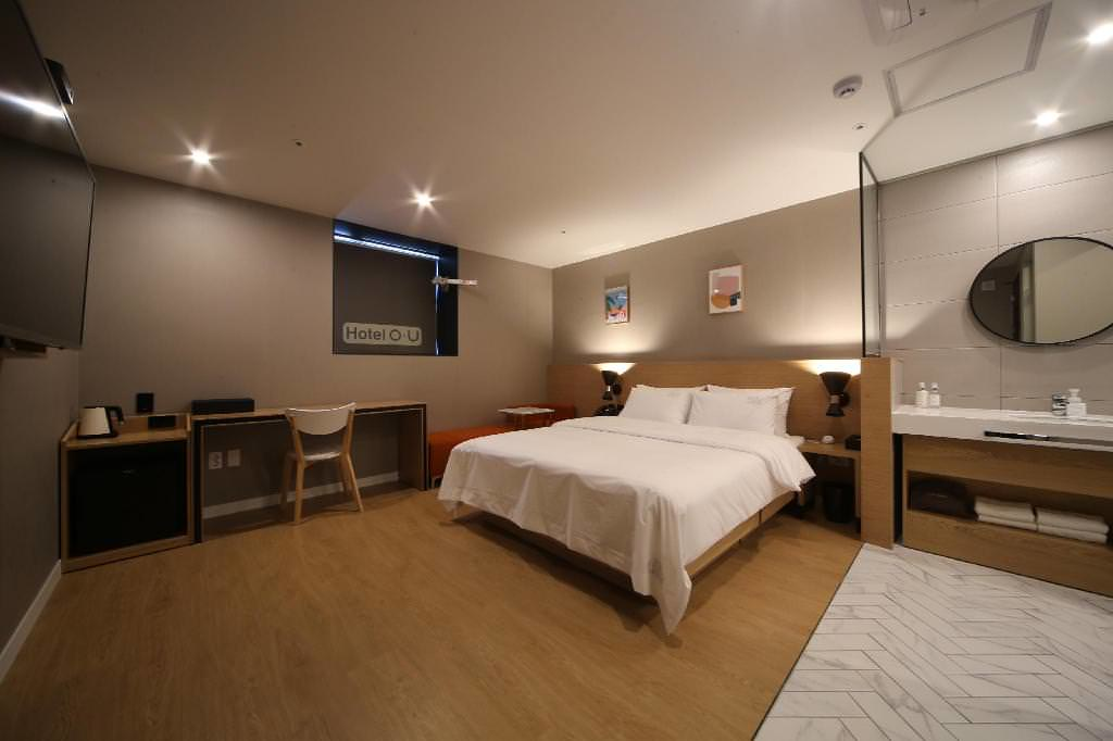 Hotel OU 1