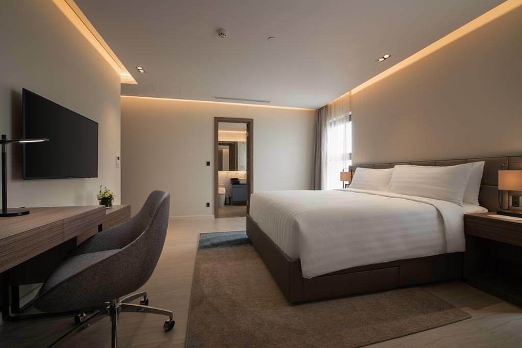 Oakwood Residence Hanoi 4