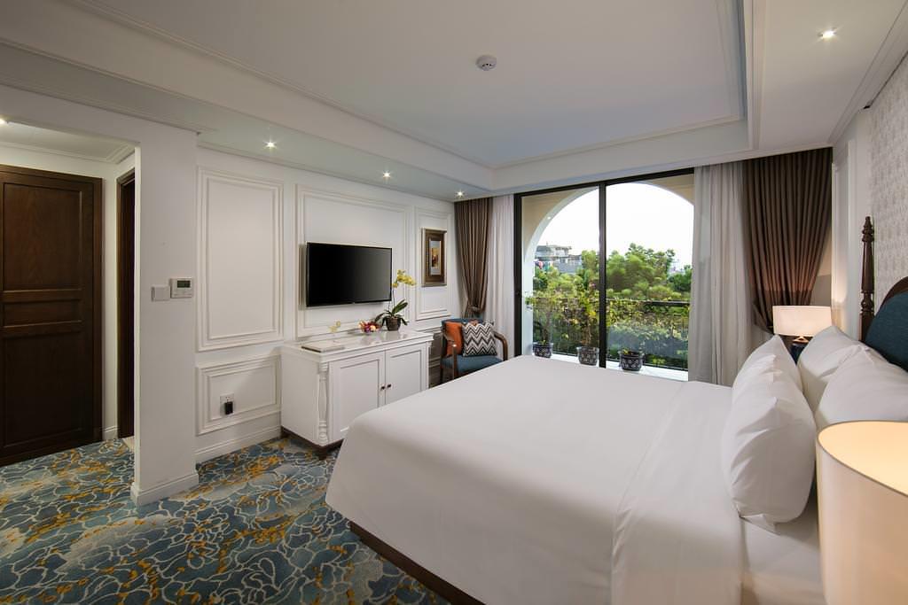 The Oriental Jade Hotel 3