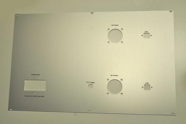 panel wycinany laserem fibrowym  z aluminium anodowanego