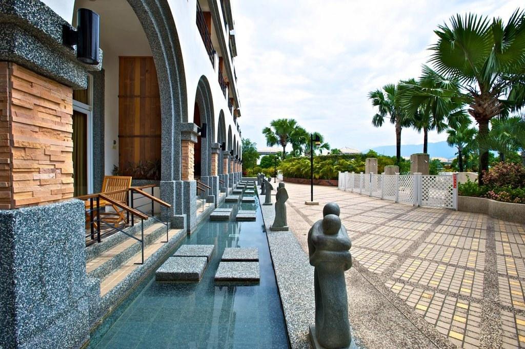 Papago International Resort 6