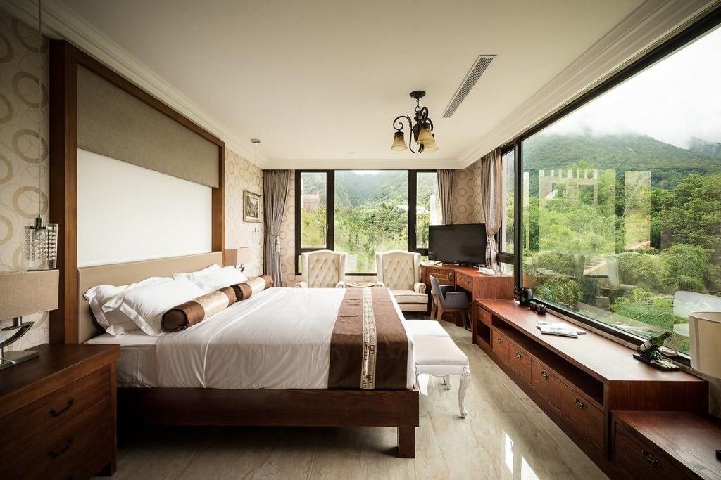 Lucent Resort 3