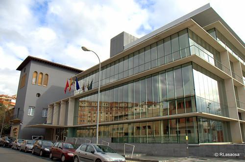 Edificios de oficinas en la calle González Tablas