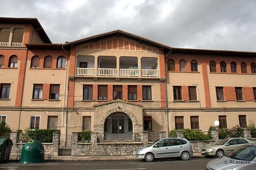 Edificio de viviendas en la calle González Tablas