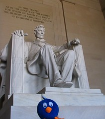 Abak at the Lincoln memorial