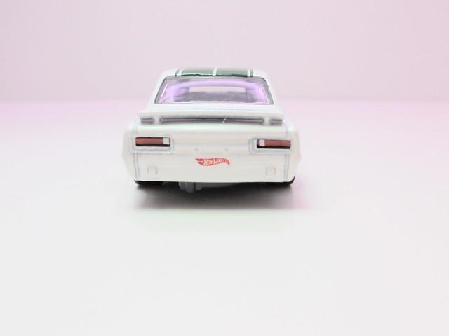 hot wheels nissan skyline ht 2000GT-X (6)