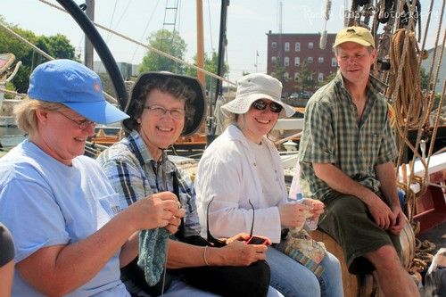 Passengers knitting w/instructor Bill Huntington of Hope Spinnery