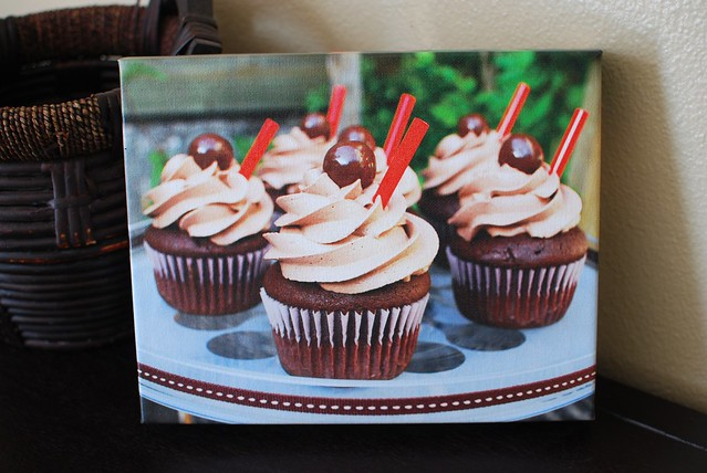 Chocolate Malt Cupcakes: Easy Canvas Print