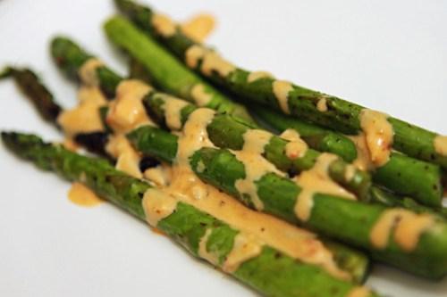 asparagus with chili garlic mayo sauce
