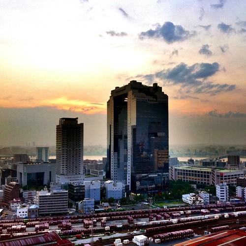 梅田スカイビルにて #sunset #iphonography #instagram