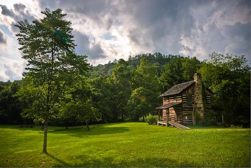 Gladie Cabin