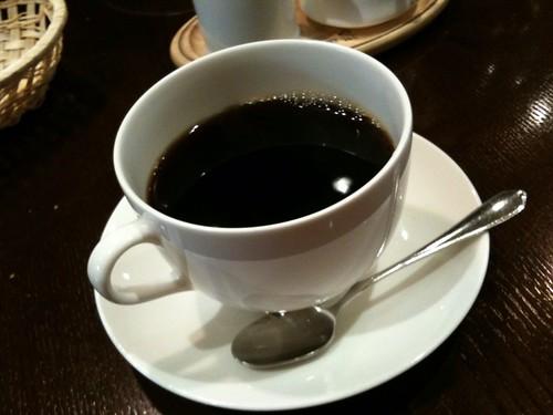 ランチについてきたコーヒー。普通の2倍くらいのコーヒーカップ