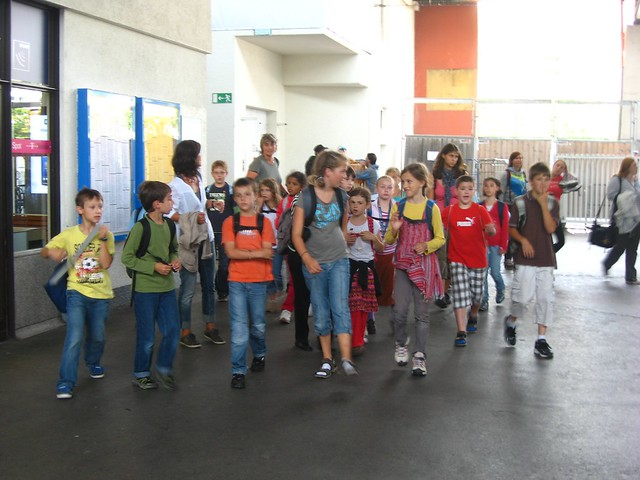 school class on a summer outing