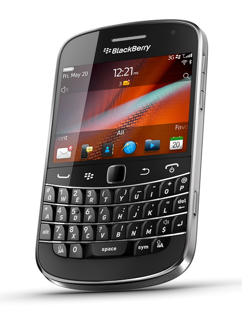BlackBerry Bold 9900 Photo2