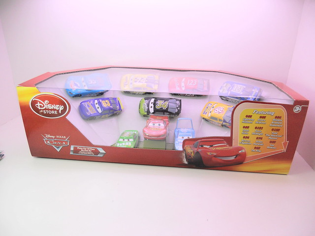 disney cars disney store racer v1 10 car set (1)