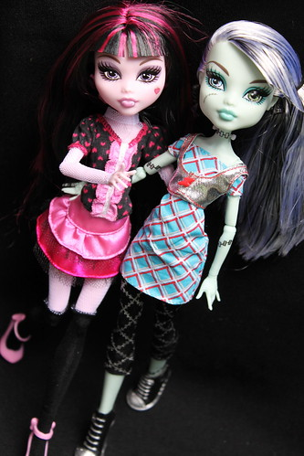 Draculaura and Frankie