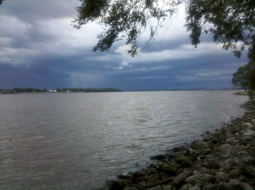 Mississippi River. Nice spot for a run.