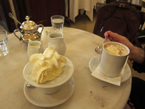 Hauskaffee und Heisse Schokolade