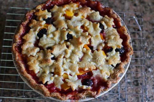 nectarine and blackberry pie