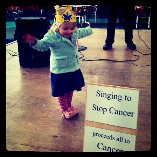 Queen Alice dances to cure cancer