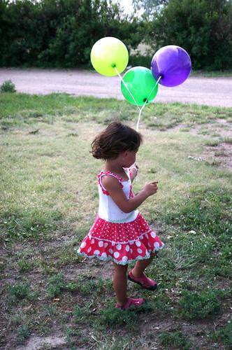 Kaidence enjoys her bday balloons