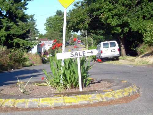 Traffic circle sale sign