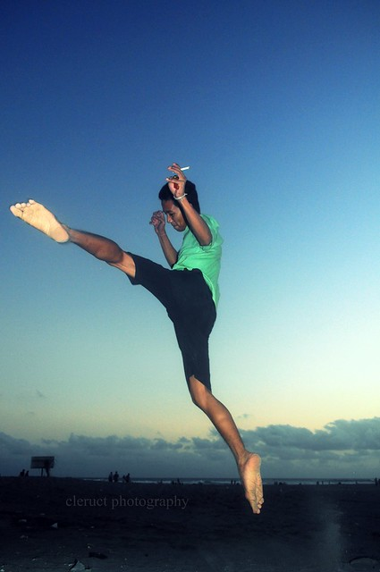 kick  ( parang tritis beach, yogyakarta )
