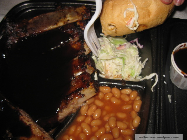 Another shot at half slab, cole slaw, beans and bread