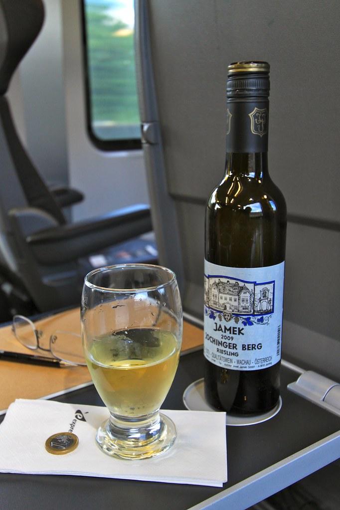 Vin blanc en train, Budapest, Hongrie