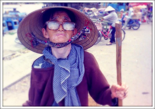 Old lady in south of Vietnam v2
